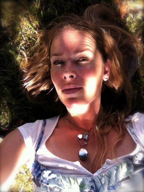 Dreamin under tree